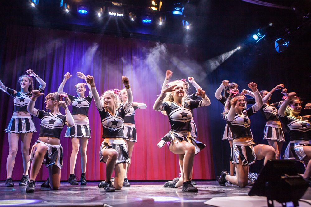 Cheerleading und Showtanz